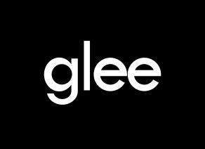 ファイル_Glee_title_card.svg_-_Wikipedia-20120914-230729.jpg
