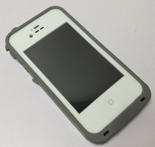 lifeproof-iphone-antiwater-case-1-20130410-143118.jpg